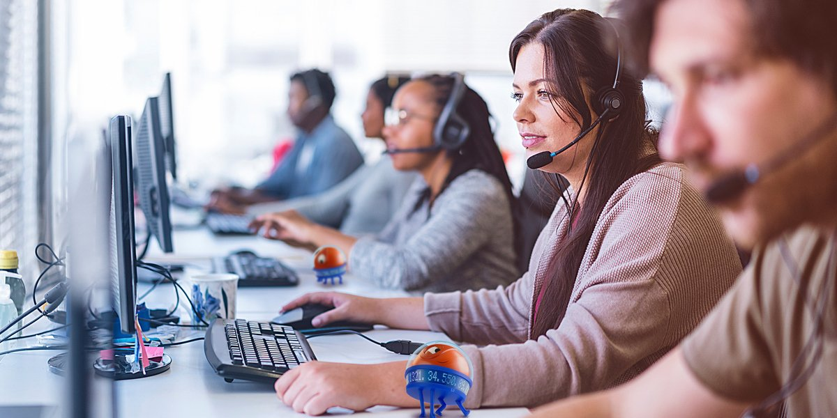 contact center automation with uipath robot assistant